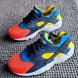 New women's Nike Huarache